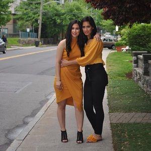 Meet your Posher, Miri and Shira!